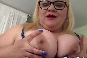 Huge spex beauty toys her pussy